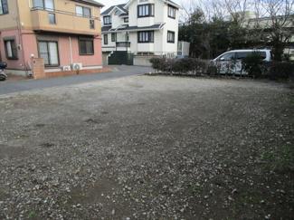 千葉市稲毛区長沼町 土地 稲毛駅  隣地が駐車場ですので、開放的な立地です!