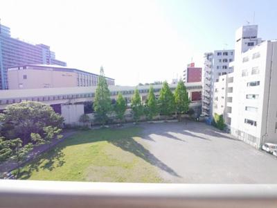 バルコニーからの眺望・南向き・陽当たり良好です。7階から撮影