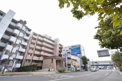 横浜市営地下鉄ブルーライン「三ツ沢上町」駅徒歩2分 通勤時間の短縮でご家族と過ごす時間を増やす事が出来ます。