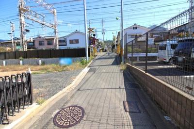 【前面道路含む現地写真】伏見区深草上横縄町 注文建築 建築条件なし 土地