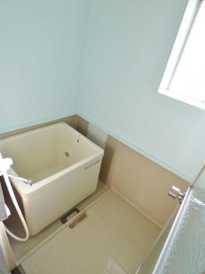 浴室には窓がついています!