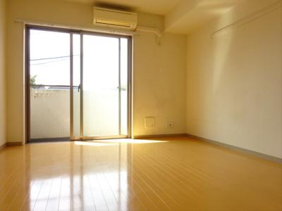 【居間・リビング】パークサイドアパートメント