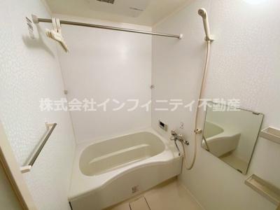 広い浴槽です