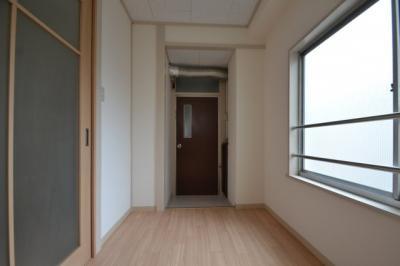 【居間・リビング】ホワイトマンション