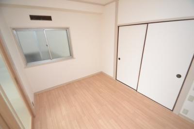 【洋室】ホワイトマンション