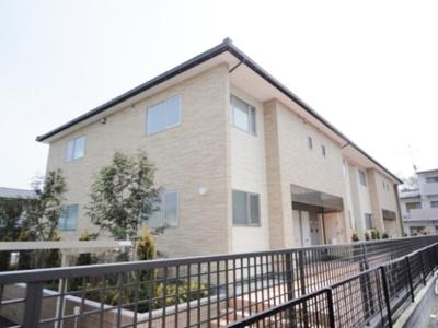 2沿線利用可能な「日吉」駅より徒歩10分!コンビニが近くて便利な立地の2階建てアパートです♪