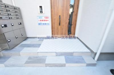 【エントランス】クリエオーレ近江堂