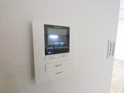 モニター付インターホンでセキュリティも安心です。