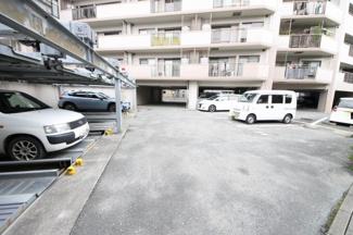敷地内駐車場空き有(6,000円/月)