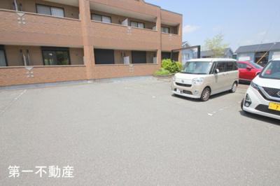 【駐車場】moe 3
