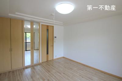 【居間・リビング】moe 3