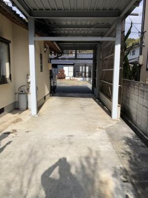 【駐車場】美咲町打穴中 3SLDK平家