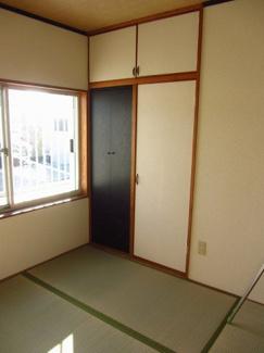 南側和室収納