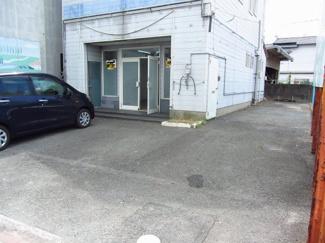 【駐車場】石橋店舗