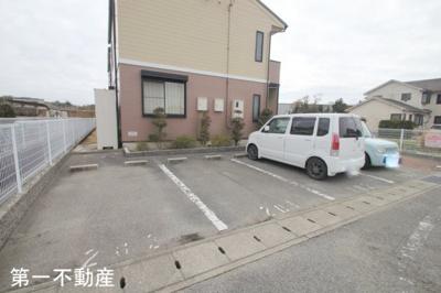 【駐車場】ソレアードガーデン 2