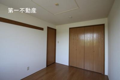 【洋室】ソレアードガーデン2