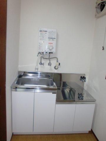 自炊される方にも嬉しいガスコンロ設置可能のキッチンです。