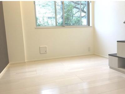 Adobe Edogawaのおしゃれな居間です(同一仕様写真)