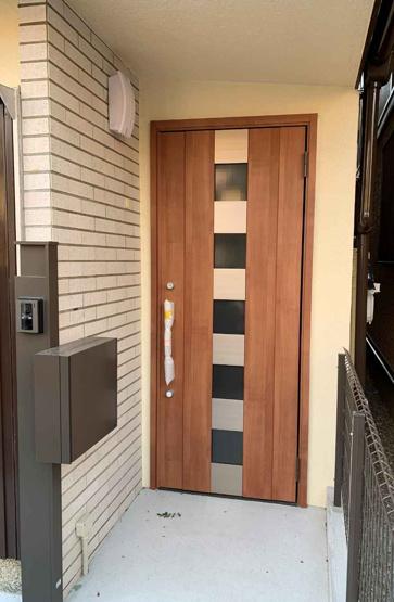 【玄関】堺市西区平岡町 中古一戸建て住宅