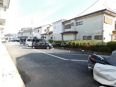 【駐車場】ロビニアハイム鎌倉