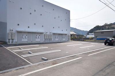 【駐車場】ピース・スクエア国府矢野 A棟