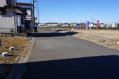 【前面道路含む現地写真】紫峰ヶ丘5丁目21番