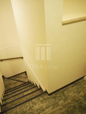 共用廊下はカーペットなので音が響きにくくなっています♪