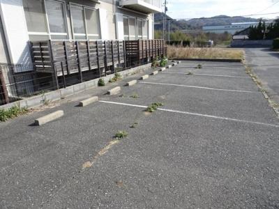 【駐車場】カーサデルマ