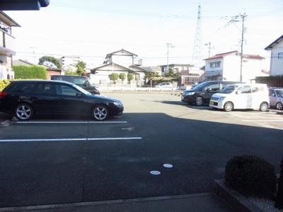 【駐車場】グランシャリオ徳久 B棟