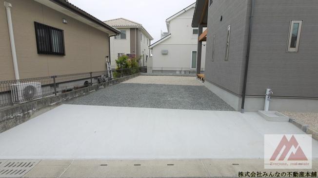 【駐車場】建築会社自慢の 真木町新築建売