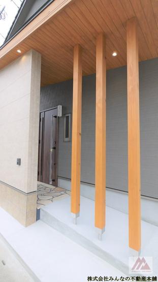 【玄関】建築会社自慢の 真木町新築建売