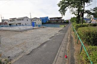3号棟 現地(2019年6月)撮影 東側幅員約4.0の公道に面しています。