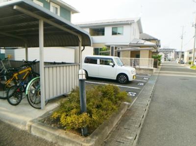 【駐車場】フェザーレジデンス