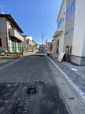 【前面道路含む現地写真】新築一戸建 ブルーミングガーデン 松ヶ丘2丁目2期