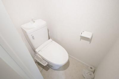 コンパクトで使いやすいトイレです ※前回募集時の写真となります