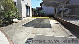 お庭の使用方法に応じては車も4台は駐車可能です