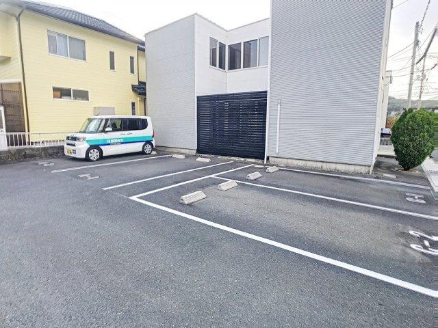 【駐車場】エクリュ王司本町A棟