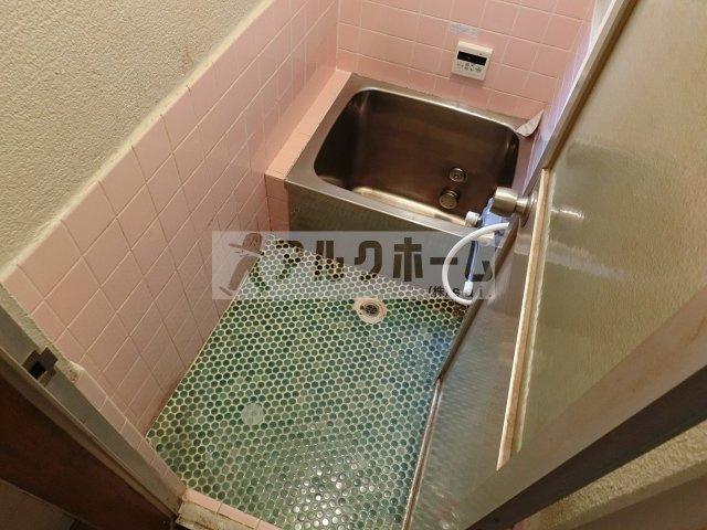 曙町3丁目4DK戸建て(八尾市曙町 志紀駅) 浴室