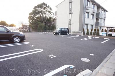 【駐車場】アベニールⅡ
