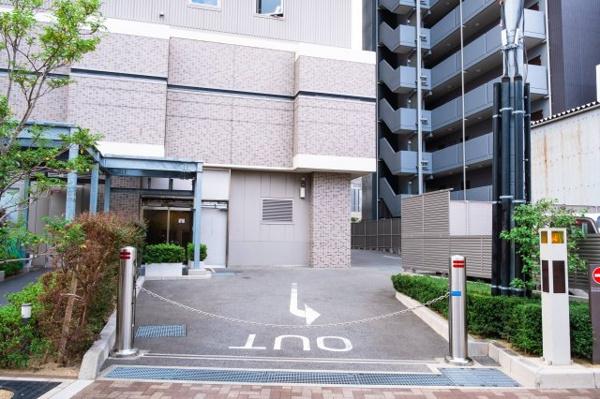 【エントランス】嬉しいオートロック付き♪こちらのマンションは防犯とセキュリティに特化しているため安心して住まうことができます。
