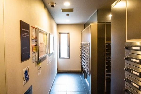 【共用部分】こちらエレベーターホール。待ち時間をも憩いに変える優雅なデザイン。