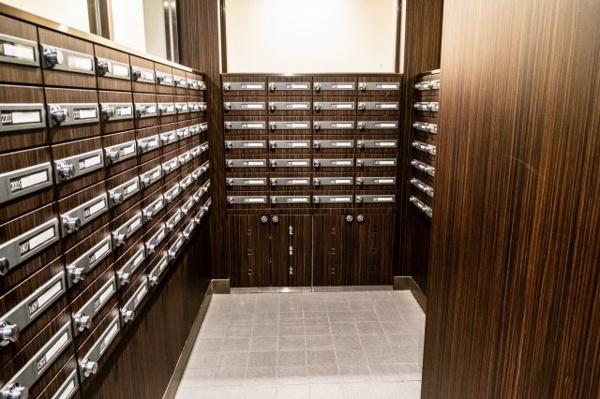 【郵便受け】シンプルな郵便受けでとても使いやすいです。