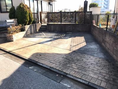 並列2台の駐車場スペース