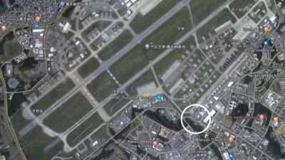 【地図】嘉手納飛行場 軍用地 国直60倍