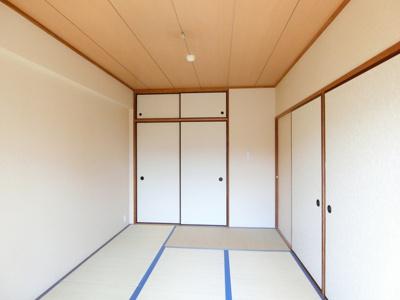 天袋付き押入れのある南西向き和室6帖のお部屋です!寝具をすっきり収納できるので和室は寝室にもオススメ☆