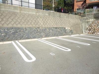 【駐車場】山内ヴィラージュ火の山 401号室