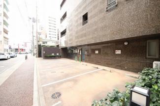 敷地内駐車場空き有(駐車場所や大きさなど、お問い合わせください)