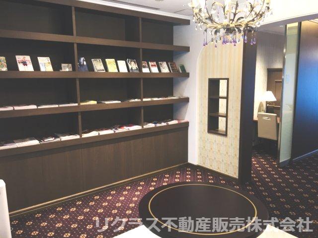 1階の図書室です