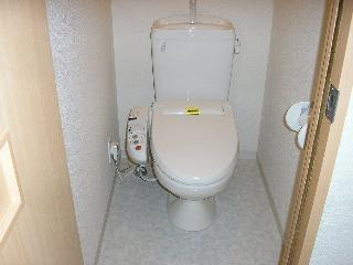 モナリエ港のトイレ