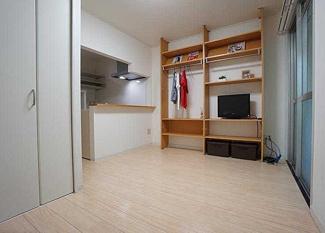 【居間・リビング】松山市平和通3丁目一棟マンション